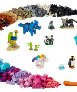 LEGO Classic Bricks and Animals 11011 Creative Toy That Builds into 10 Amazing Animal Figures (1,500 Pieces)