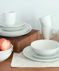 10 Strawberry Street Simply White Coupe 16-Piece Dinnerware Set